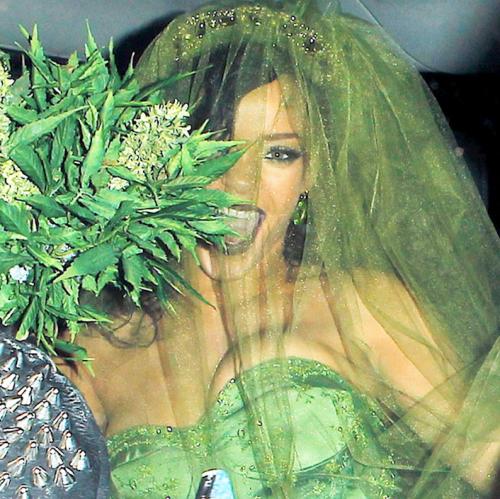 Rhianna-cannabis-bride-halloween-heyhellohigh